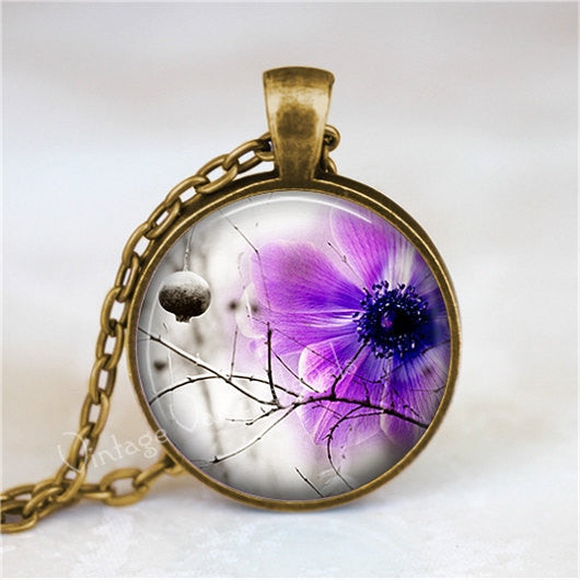 FLOWER Necklace,  Purple Flower Necklace, Lavender Flower, Purple, Lavender, Flower Pendant, Flower Charm, Glass Bezel Art Pendant Necklace