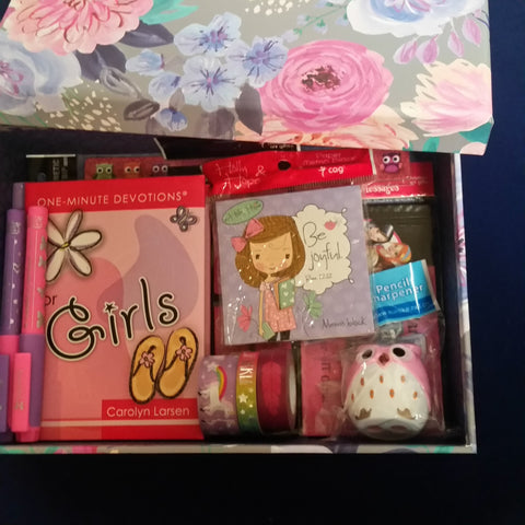 Bible study gift set for her. Birthday gift idea for girls - Adventacle