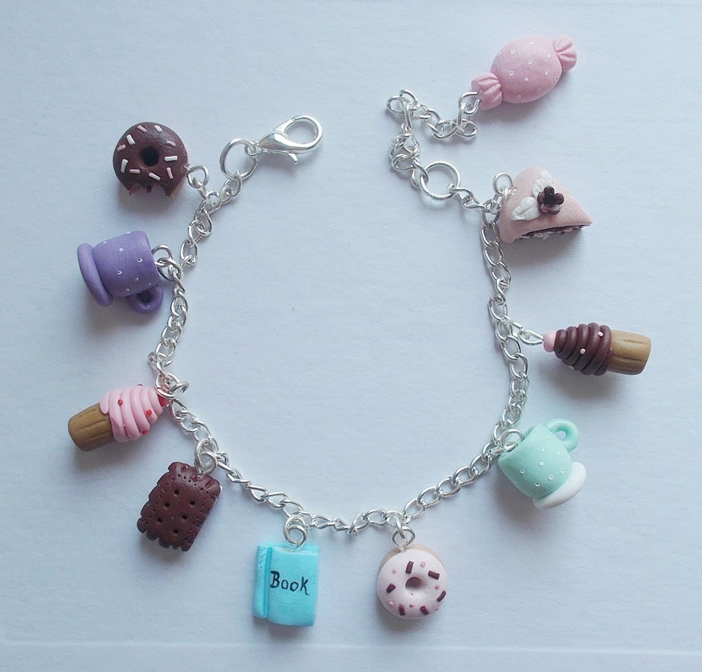 Books and Sweets bracelet - Adventacle