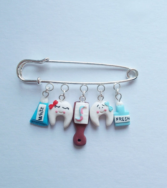 Happy teeth brooch jewelry, handmade gift for dentists - Adventacle