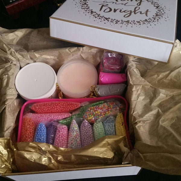 Merry and Bright Slime Kit in Gift box - Choose from 3 sizes - Stocking stuffer for DIY lovers, slime lovers - Adventacle