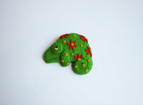 Red and Green Chameleon Brooch, Great Christmas Fashion Accessory Gift - Adventacle