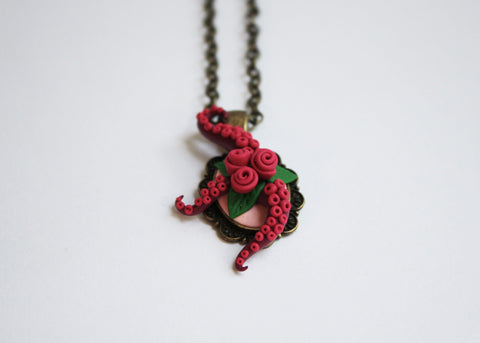 Tentacles and roses statement necklace - Adventacle