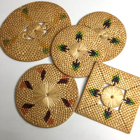 Patterned raffia trivets - set of 5 - 1970s vintage