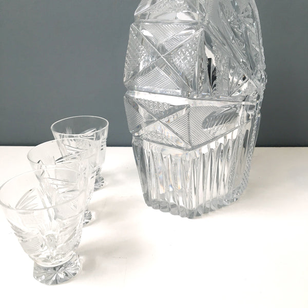Cut crystal whiskey decanter and 4 shot glasses - vintage barware