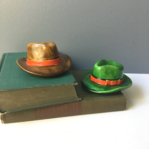 Fedora salt and pepper shakers - made in Occupied Japan - 1940s vintage - NextStage Vintage
