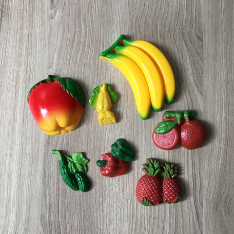 Plastic fruit and veggies kitchen magnets - 1960s vintage