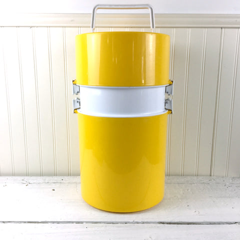 Ingrid Chicago picnic set - cooler plus tableware - 1980s vintage