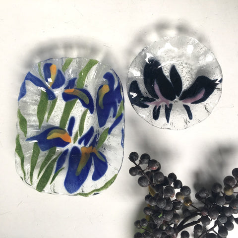 Iris fused glass trinket dishes - a pair - Sydenstriker