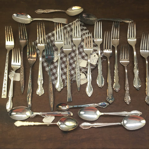 Mixed lot of silverplate forks and spoons - 24 salesman samples - International Silver and Rogers - 1970s 1980s - NextStage Vintage