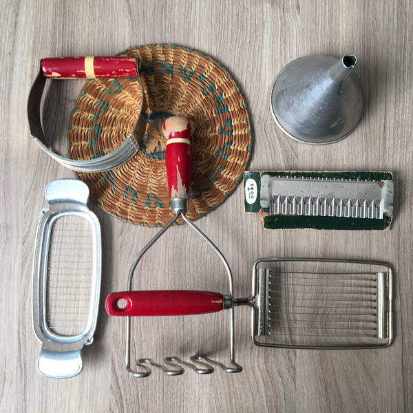 Kitchen utensils collection - 6 pieces - aluminum and red handles - NextStage Vintage