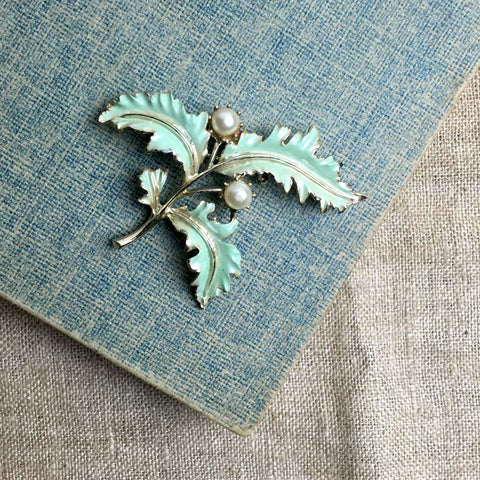 Green leaf and pearl vintage brooch - 1960s vintage pin