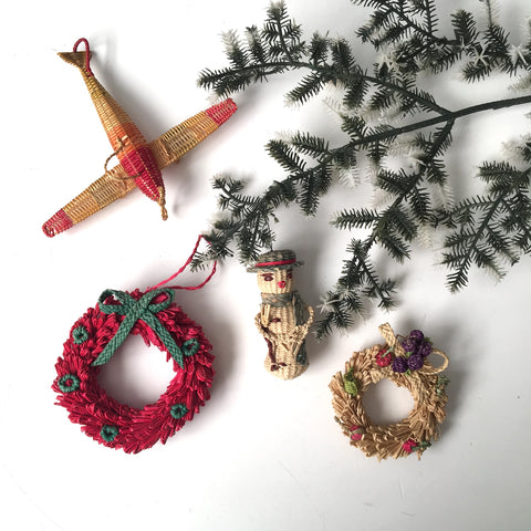 Mexican straw ornaments - vintage Christmas decor