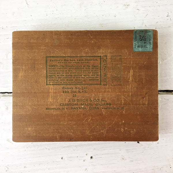 Nutura Number Five wooden cigar box - 1946 - J.B.Back & Co. - NextStage Vintage