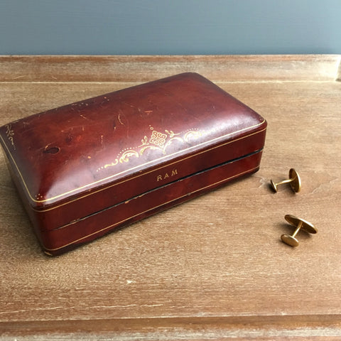 Domed burgundy leather presentation box - early 20th century