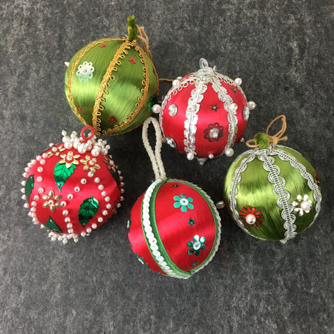 Satin ball with sequins ornaments - set of 5 - red and green 1960s vintage