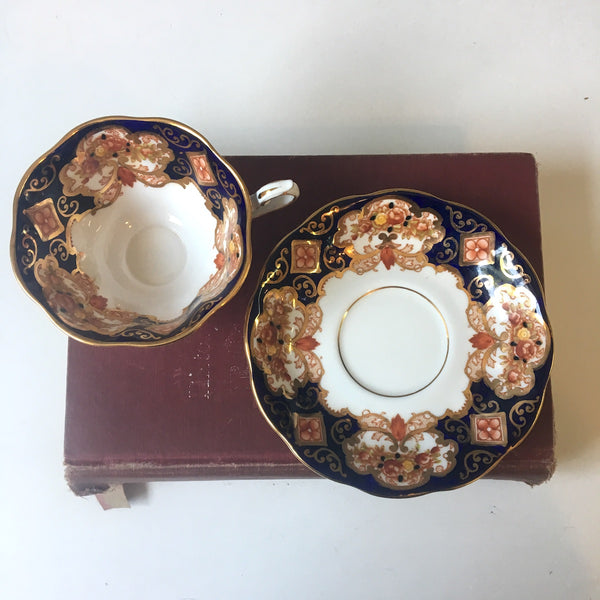 Royal Albert Heirloom bone china tea cup and saucer - 1960s vintage - NextStage Vintage
