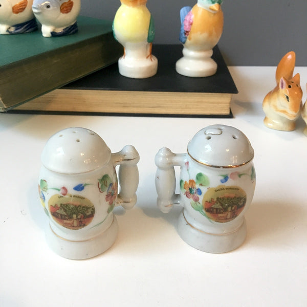 Novelty salt and pepper shakers made in Occupied Japan - 1940s vintage - NextStage Vintage