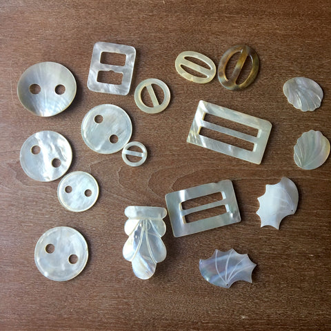 Shell belt slides and buttons - vintage sewing - NextStage Vintage
