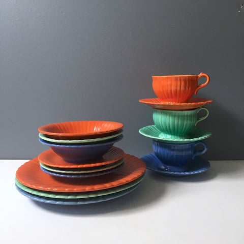 Stangl Colonial 5 piece place settings in tangerine, blue & green - 15 pieces - 1930s - NextStage Vintage