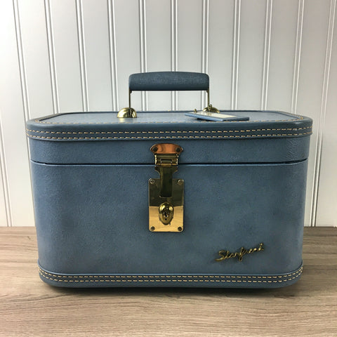 Starfrost blue train case - Baltimore Luggage Co. - 1950s vintage