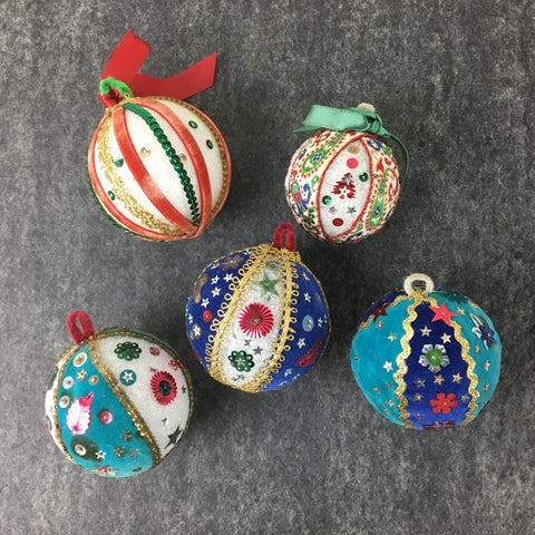 Pins and sequins vintage Christmas ornaments - set of 5 - 1960s handmade