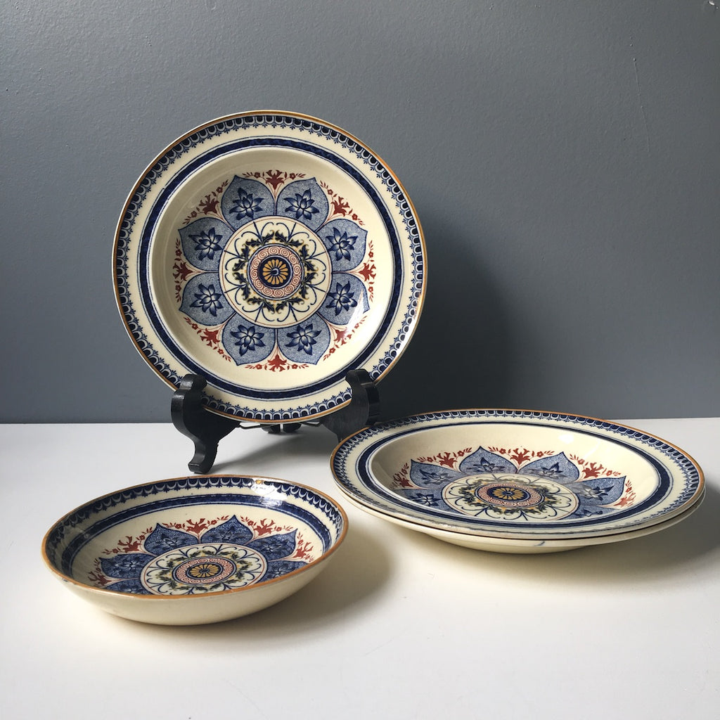 Antique Wedgwood medallion bowls A1708 - set of 4 - 1870s - NextStage Vintage