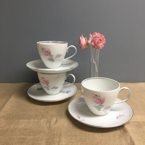 Johann Haviland - 3 cups and saucers with roses - Eva Zeisel design - 1970s vintage