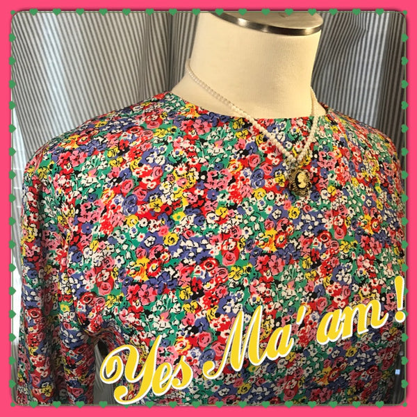 In Loving Color// womens vintage floral blouse// colorful// Cath Kidston style// Liberty of London style// size S M