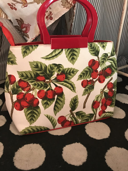 Olvera Street// Womens Retro Cherry Print Sequin Purse//