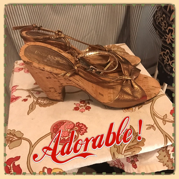 THE GOLDEN SUNSET// Womens ENZO ANGIOLINI Wedge Heels// Shoes// Size 6.5// Cork// Gold// Strappy// Retro