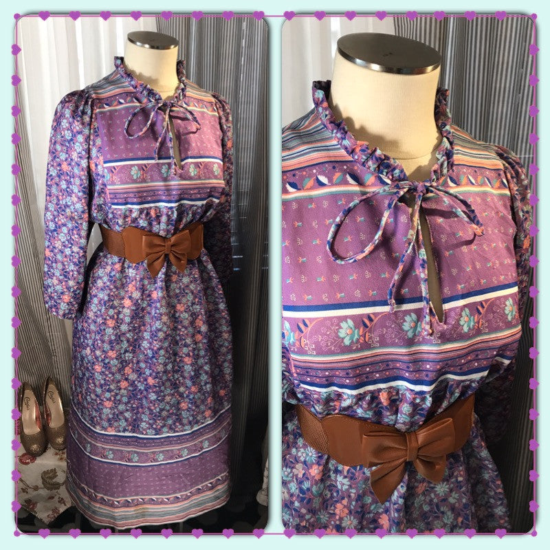 Bohemian Belle// Womens Vintage Violet Floral Dress// Plus Size// 70s