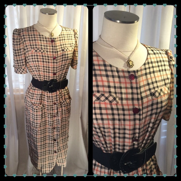 The Tan with the Plan - vintage plaid dress// Burberry style dress// vintage fall fashion// tan plaid// size M