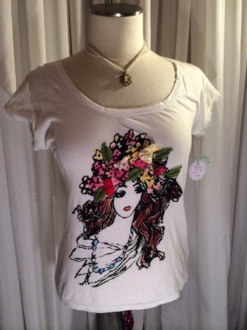 She Got Bette Davis Eyes - graphic tee// artist// floral tee// embellished// diva// fashionista