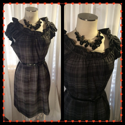 Add More Charcoal - DRESS BARN// womens plus size dress// black plaid dress// fall fashion// size XL// grunge// preppy
