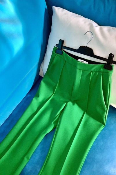 AREA - CROPPED BONDED FLARE TROUSERS/GREEN