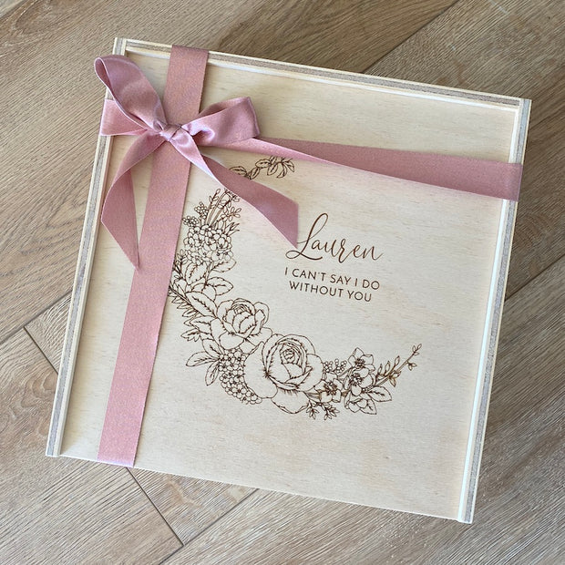 Engraved Wreath Personalised Timber Hamper Box - Empty