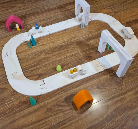 The Wooden Toy Co 12 Piece Road Set - Spotty Dot