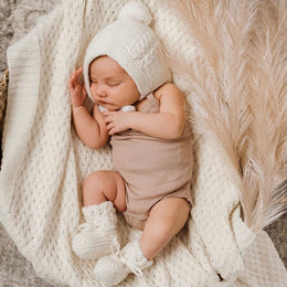 Snuggle Hunny Kids - Ivory Merino Wool - Bonnet & Booties Set