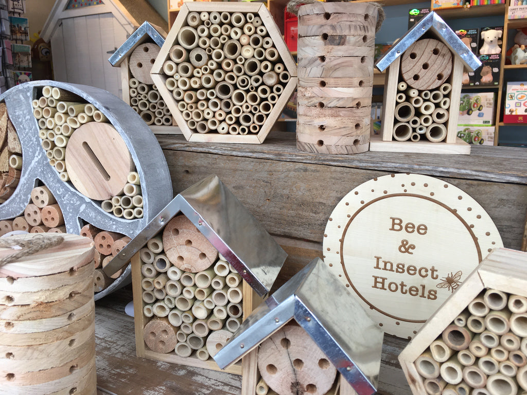 Bee Hotel Round Large