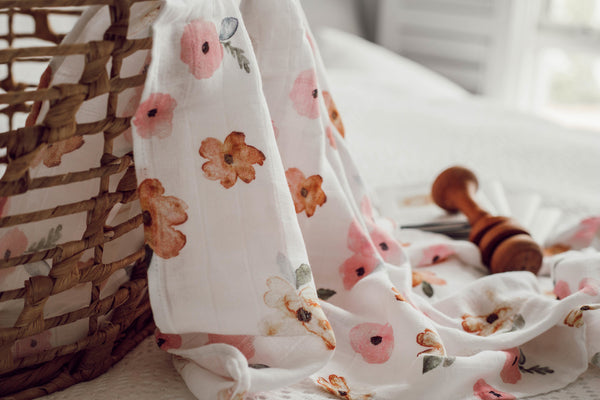 Snuggle Hunny Kids Organic Muslin Wrap in Poppy