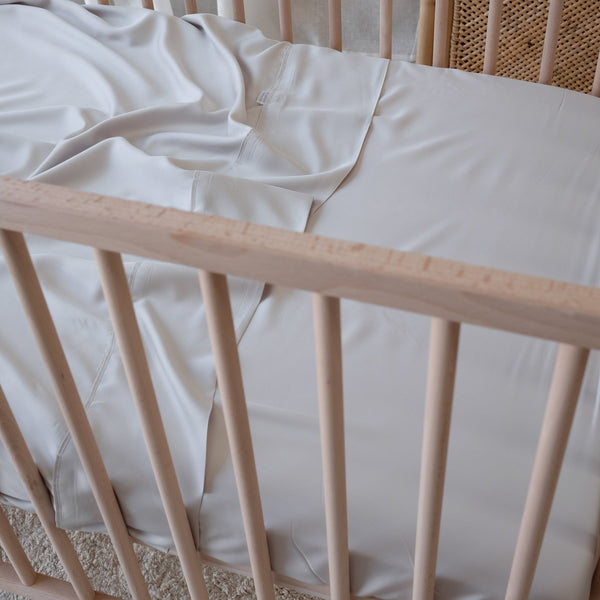 Mulberry Threads fitted cot sheet in Silver