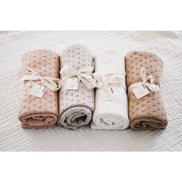 Piper Bug Heritage Knit Blankets 4