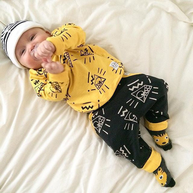2016 Fashion Autumn Baby Boy Clothes Yellow Long Sleeve T-Shirt + Black Pants Baby Girl Clothes Winter Clothing Set Sport Suit Deals Blast
