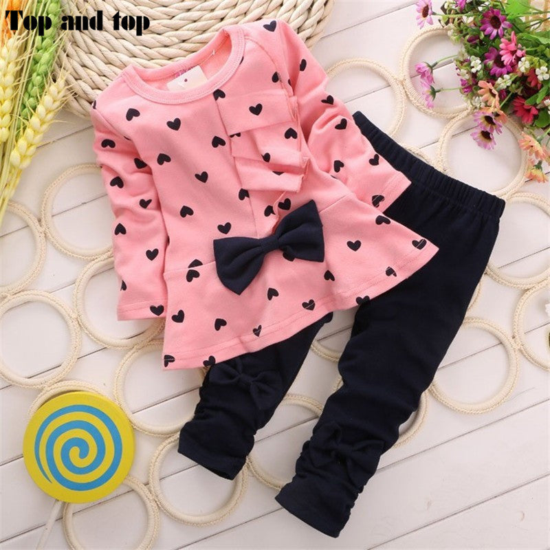 2016 high quality Children Baby Girl Heart-shaped bowknot 2PCS Clothes Set Suit Top Sweater Pant Deals Blast