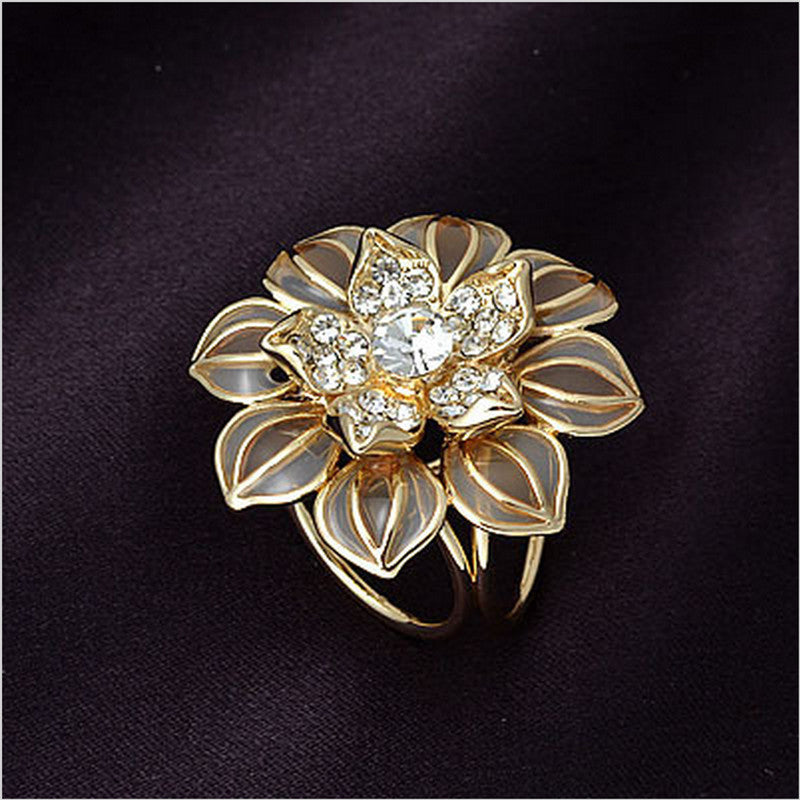 2016 Fashion Jewelry Brooches PIn For Women Rhinestone Crystal Brooch Gold Silver Enamel Brooch Scraf Flower Broches Channel - Deals Blast