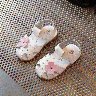 Girls beach sandals summer new fashion flowers leather soft bottom girl sandals Baotou princess shoes kids shoes shoes sand: Deals Blast