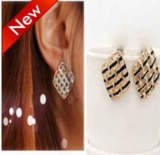Deals Blast: New black and white sparkling rhinestone square stud earring for fashion women Deals Blast