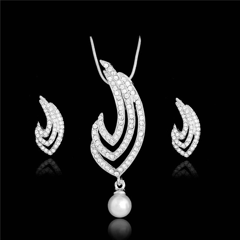 Deals Blast: Women Jewelry Set 18K Gold Plated Fashion Necklace Earring Crystal African Costume Nigerian Woman Wedding Accessories: Deals Blast
