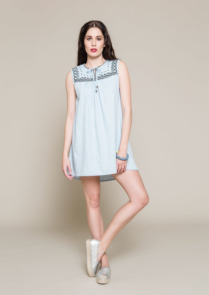 SLEEVELESS DENIM DRESS WITH EMBROIDERY - S18107-LBLUE-S